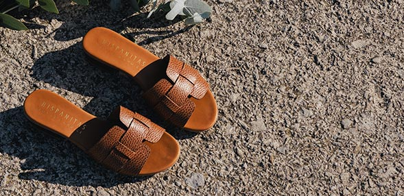 chaussure plate femme adidas